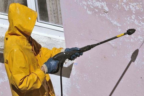 Limpiar fachada con hidrolimpiadora de gasolina