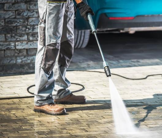 Limpiar garaje con hidrolimpiadora profesional