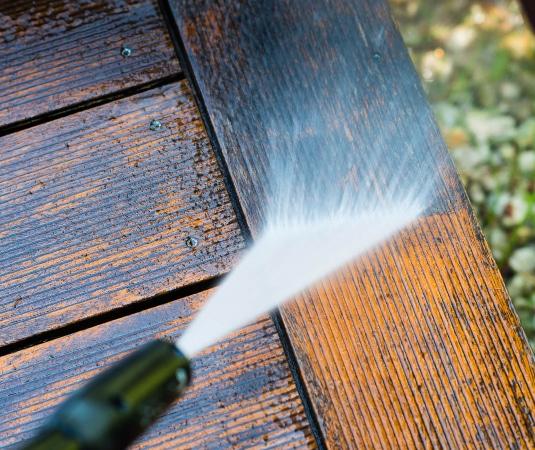Limpiar madera con hidrolimpiadora