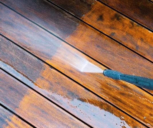 Limpiar suelo madera con hidrolimpiadora