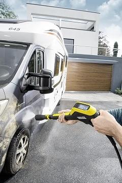 Limpiando autocaravana con la Karcher K7 FC Plus