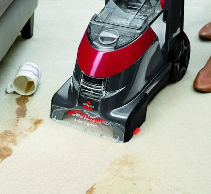Lavar mancha en la alfombra con lava aspiradora